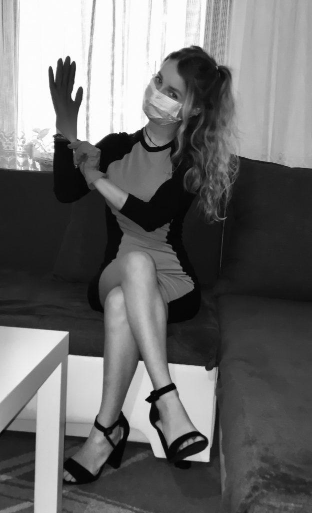 dakaj_maturant_v_samoizolaciji_resize-624x1024